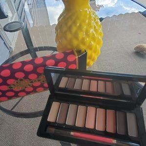 Brand new MAC nutcracker sweet eyeshadow palette